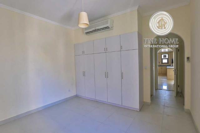 Manifacent 3BR.Villa in ABateen Airport.